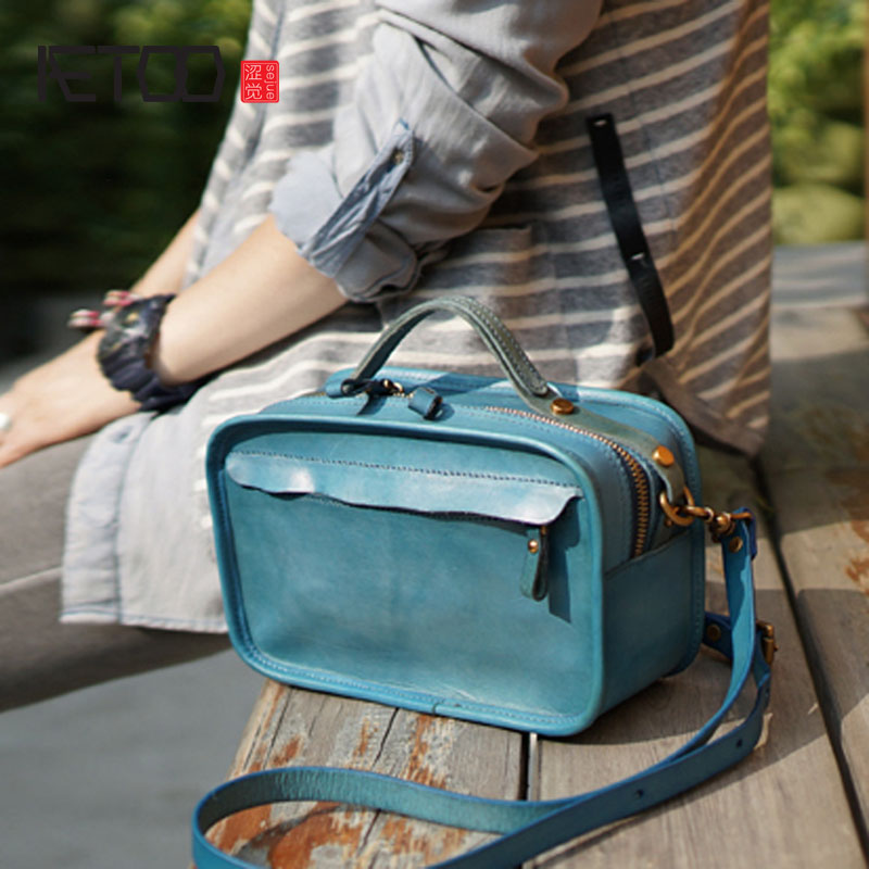 AETOO Vintage handmade cowhide leather shoulder portable diagonal bag casual compact box type bag ladies and women models
