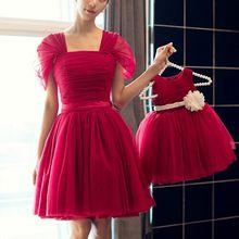 76817bc9ba4e7 Mère fille robes de noël correspondant robes de mariée princesse maman et moi  vêtements de mariage robe de soirée rouge