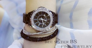 Image 4 - נשים ריינסטון שעונים ליידי יהלומי אבן שמלת שעון שחור לבן קרמיקה גדול חיוג צמיד שעוני יד גבירותיי קריסטל שעון