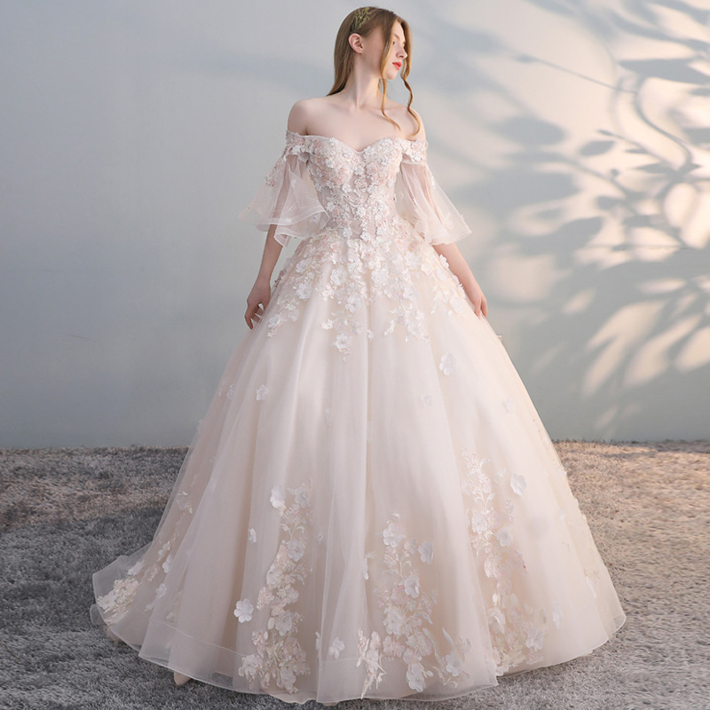 Luxury Flare Sleeves Appliques Lace Boat Neck Train Wedding Dress 2019 Ball Gown Princess Bridal Wedding