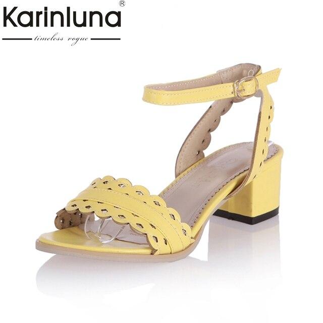 0c888c632 KarinLuna 2018 Tamanho Grande 31-43 com Tira No Tornozelo Sandália Verão  Sapatos Das Mulheres