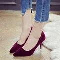 2017 Primavera de Veludo de Alta-Sapatos de Salto Alto Do Dedo Do Pé Apontado Saltos Finos Elegance 6 CM Mulheres Bombas de Moda Durante Todo o Jogo Sapatos