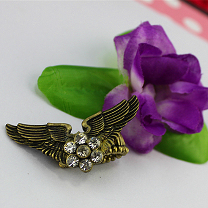 new fashion design alloy ring golden wings Crystal Mosaic Men s and women s fashion accessories
