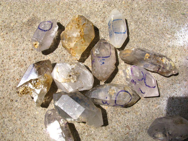 Natural Mobile moving water bubble Enhydro quartz crystal specimen-G101