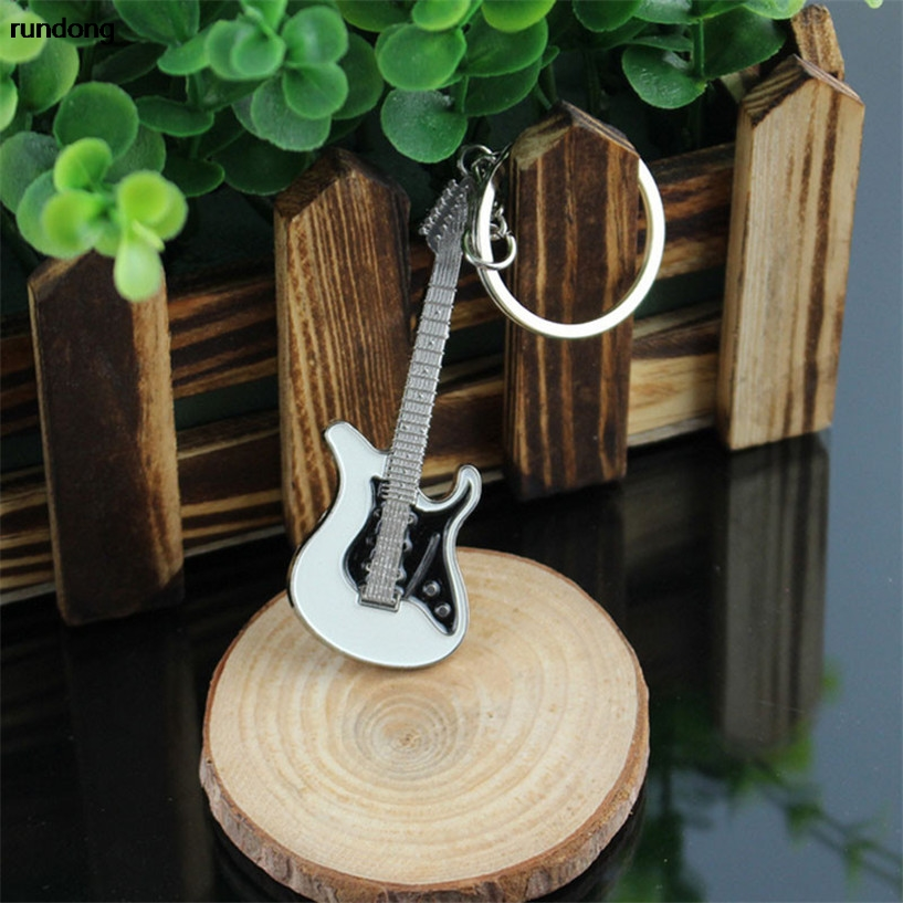 2017 new Guitar Keychain Buckle Key Chain Ring Car Accessories factory price wholesale AUG15