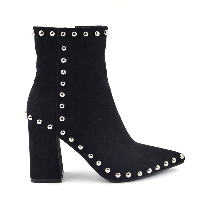 2018 Spring New Fashion Suede Leather Boots For Women Faux Suede Flat Boots Spring Autumn Women Boots Rivet black Ankle boots