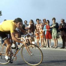 1974: Carrera Gran Eddy Merckx bicicleta juego carrera bicicleta pegatinas clásicas de pared lienzo Vintage Poster hogar Bar decoración regalo