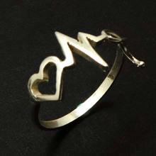 Кольцо стетоскопа с сердцебиением медицинская помощь подарок
