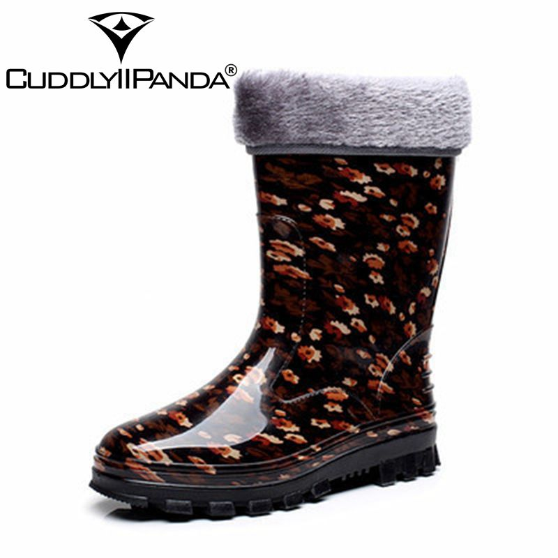 CUDDLYIIPANDA 2018 Sugarwest Botas Mujer 8 Colors Rain Boots Women Dot Rainboots Round Toe Buckle Mid Calf Platform Women Boots stylish women s mid calf boots with solid color and fringe design
