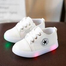 Ny Brand 2017 mode LED lyset blonder op søde baby sko Dejlig solid farve Patch børn afslappet sko glødende børnesko sneakers