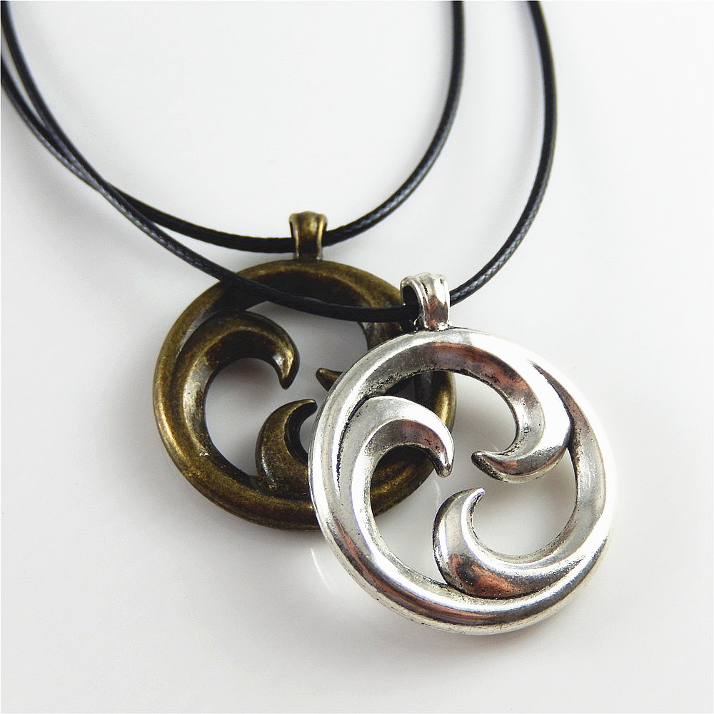 2pcs vintage silver color bronze round inside rotate pendant charms fashion leather rope necklace accessory handcraft gift in pendant necklaces from 2pcs vintage silver color bronze round inside rotate pendant charms fashion leather rope necklace accessor Images