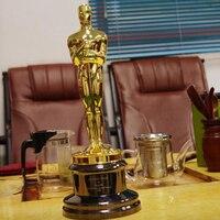 Sıcak satış 8.5lbs (resmi) Akademi Oscar Ödülleri, çinko Alaşım Oscar Ödülleri Trophy 1:1 Altın kaplama Oscar Ödülleri