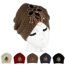 2016 New Fashion Ladies Metal Jewel Accessory Winter Warm Floral Turban Soft Knit Headband Beanie Crochet Headwrap Women Cap