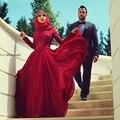 Verdadero musulmán Drak rojo una línea de cuello alto manga larga de encaje de dama de Honor vestidos 2015 arco hacia atrás largo dama de Honor vestidos del partido de baile BR21