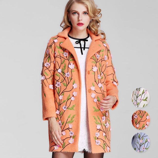 Вышивка аппликации на пальто