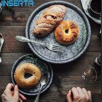 Jinserta 금속 서빙 트레이 골동품 라운드 단철 스토리지 트레이 디저트 과일 케이크 빵 접시 홈 주방 장식