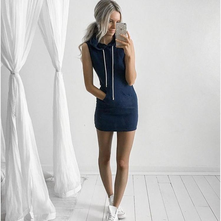 Vestido casual curto sem mangas