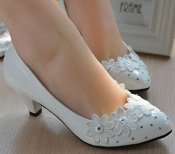 Plus sizes Fashion white wedding shoes for woman med heel pumps lace rhinestones low high heel bridal shoes on sales extra large plus sizes 41 42 43 flats wedding lace shoes womens female woman bridal flat heel wedding flats shoes large sizes
