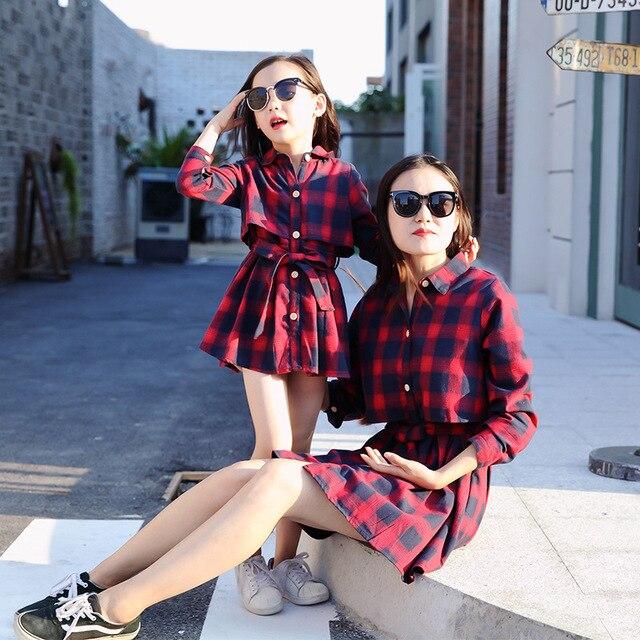 82af6abc9388a Mère fille robes Plaid chemise robe à manches longues Style Vintage mode  mère bébé filles vêtements