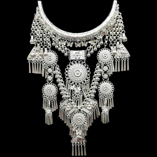 Kolye ve kolye Bohemia püsküller kolye Retro Yunnan etnik abartı Miao gümüş dans aksesuarları destek toptan