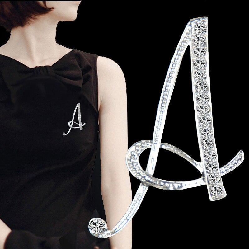 26 lettres anglaises broche cristal femmes filles pull écharpe costume charme broches mode bijoux strass poitrine fête