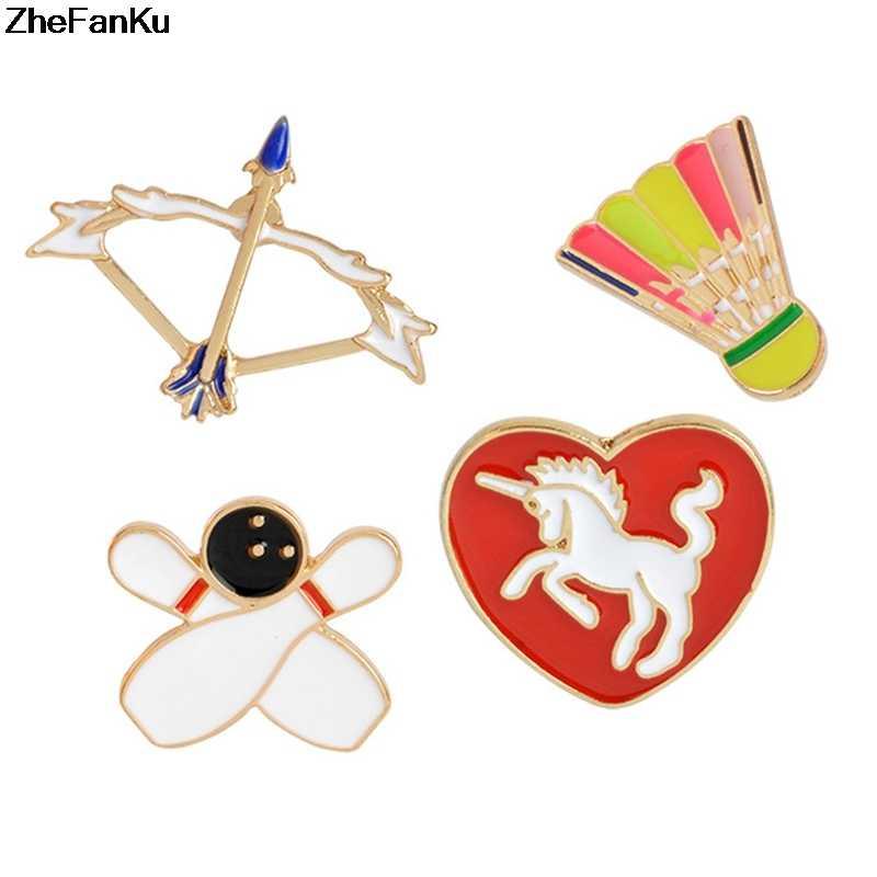1 Pcs Busur Arrow Kuda Knight Bowling Bulutangkis Bros untuk Wanita Pria Jantung Sportswear Lencana Jarum Tombol Olahraga Perhiasan