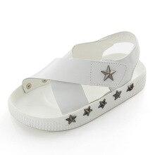 Crianças Sandálias com Rebites Estrela Meninos Meninas Estrela Sapatos de Couro Branco Sapatos de Verão de Cor Sólida Do Bebê Sandálias Da Moda 21-25