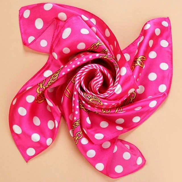 Mode Printemps Foulard En Soie Pour Femmes Wrap 60 cm Carré foulards Femmes  Wrap Fleur Bandana 969532a70b7