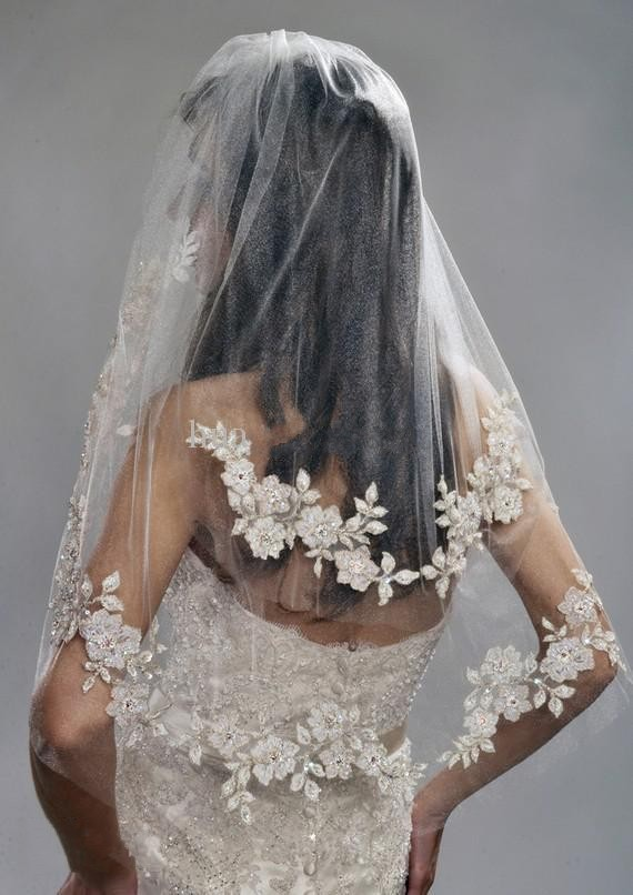 Vintage White or Ivory Short Tulle Wedding Bridal Veil Elbow Length Two Layer Beaded Lace Appliques (2)_conew1