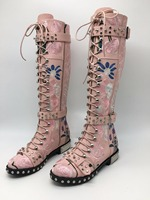 Sestito красивые женские 3 полосы боковой молнией рыцарские сапоги с круглым носком с заклепками женский вышивка Цветочный принт Повседневное