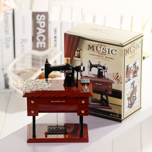 Classic Jewelry Musical Box Movement Music box For sale desk Sing