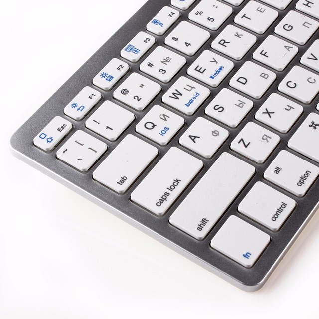 kemile Russian Wireless Bluetooth 3.0 keyboard for Tablet Laptop Smartphone Support iOS Windows Android System Silver and Black 3