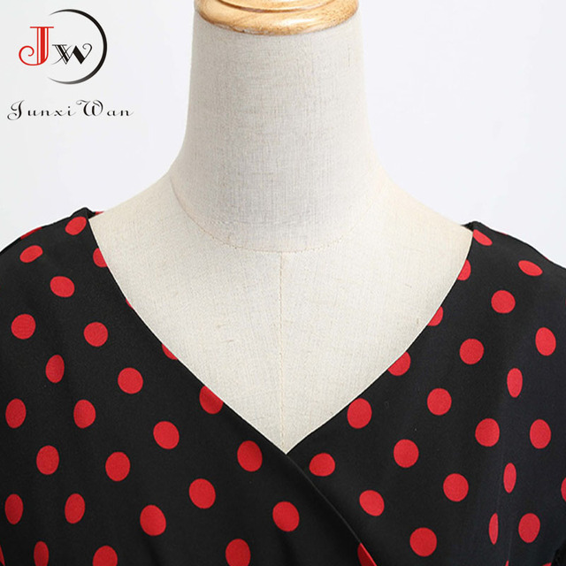 classic shape and gorgeous print dress. casual and elegant at once  also pettiskirts 3