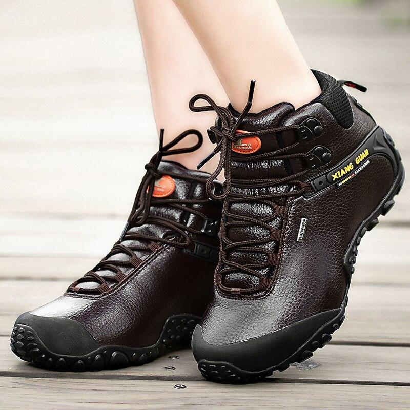XIANG GUAN Uomo scarpe Da Trekking scarpa da tennis all aperto arrampicata  In Pelle di Alta sport di montagna trekking turismo stivali botas  impermeabile in ... d59d869edcb