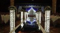 יוקרה אירופה המחיר הטוב ביותר Christamas עמודי קישוטים מרכזי מסיבת חתונה לטובת צד עם משלוח אור LED בתוך