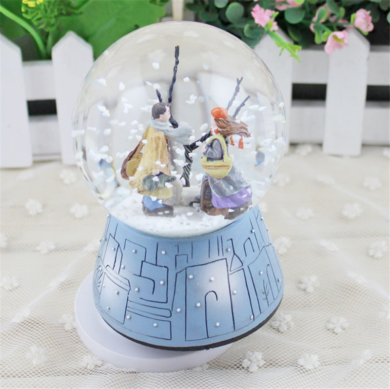 2017 Crystal Ball Musical Box Couple Doll Ratating Swivel Music Box Home Wedding Decoration Birthday Gift
