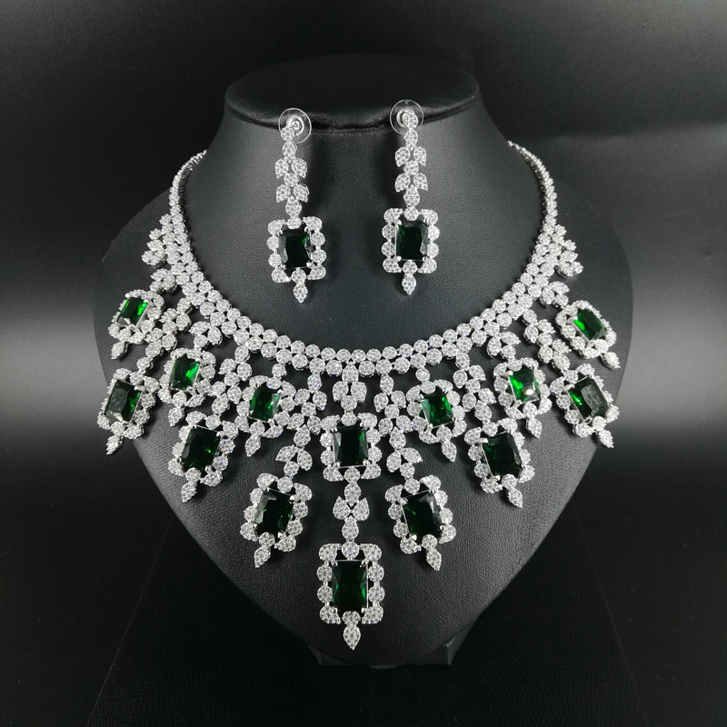 2018 new fashion vintage luxury green square CZ zircon golden necklace earring bracelet ring wedding bride dressing jewelry set women s elegant pendant necklace ring w zircon ornament set golden green