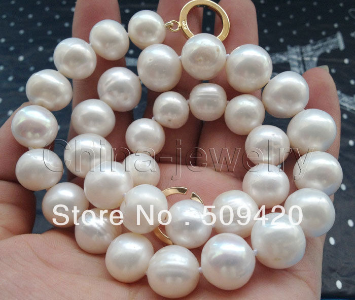 Free Shipping >>Beautiful 18 11-12mm natural white round freshwater pearl necklace-gold filledFree Shipping >>Beautiful 18 11-12mm natural white round freshwater pearl necklace-gold filled