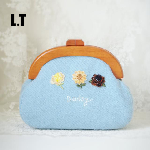2016 Autumn Teen Pastel Cute Wool Shoulder Bag Women Light Blue Flower Personalized Small Cell Phone Gift Crossbody Clutch Bag
