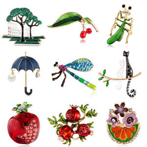New Charm Enamel Animal Plant Fruit Brooch Badge Women Kids Pomegranate Cherry Pearl Rhinestone Painting Oil Brooch Jewelry