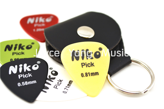 Black Leather Guitar Picks Holder Keyring+Free 5pcs Niko Plectrums Free Shipping