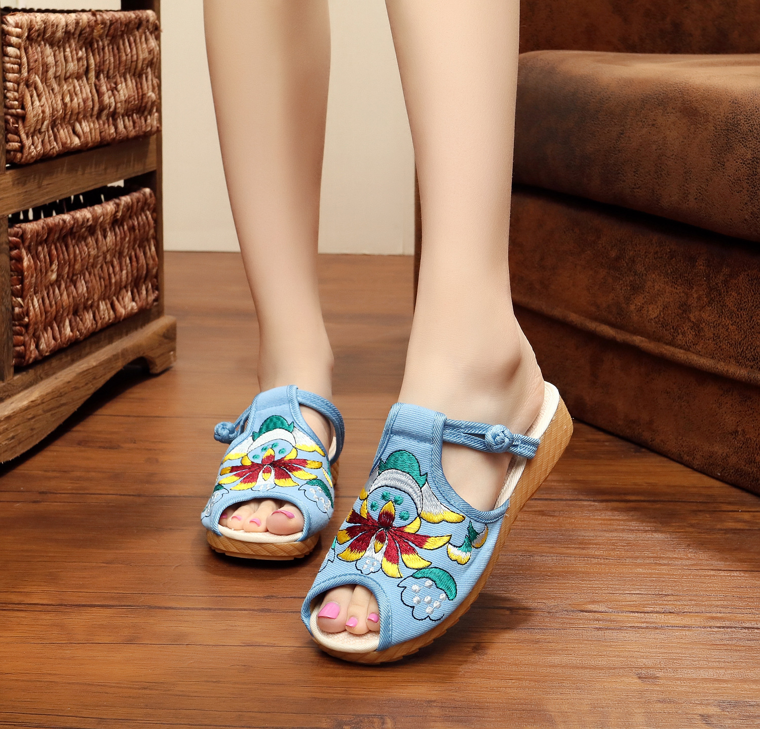 Vintage Arrive Chinese National Old BeiJing embroidery slippers Canvas Women Lotus flower embroidered cloth flat slippers