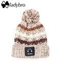 Ladybro Caliente Pom pom Sombrero de Marca Mujer Sombrero de Invierno de Punto terciopelo de La Raya Skullies Beanie Para Las Mujeres Moda Música de Esquí Sombrero femenino