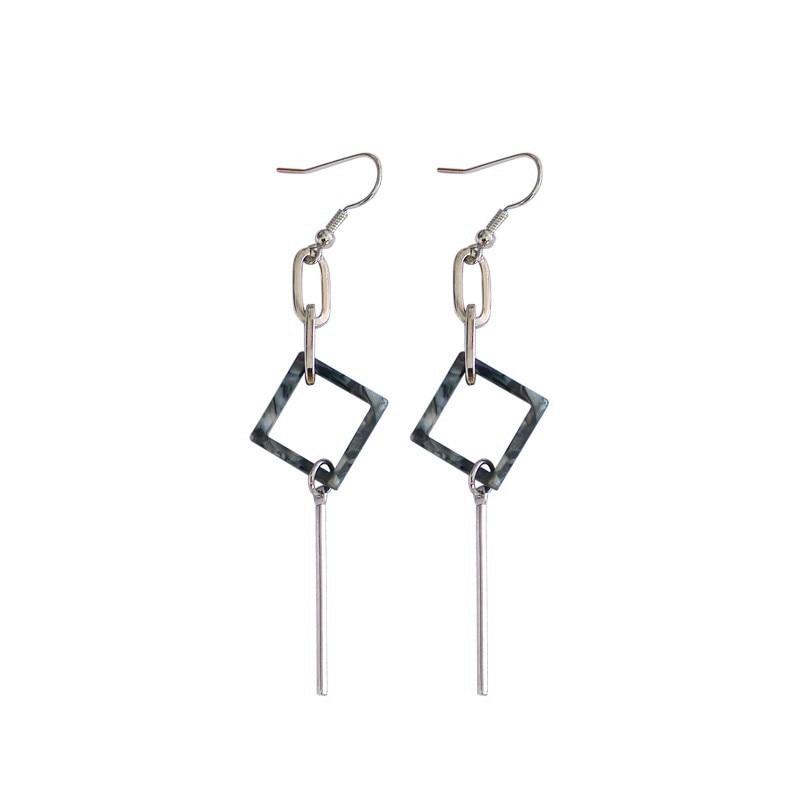 Personality simple geometric fashion beautiful earrings stud earrings earrings girl. Mrs.