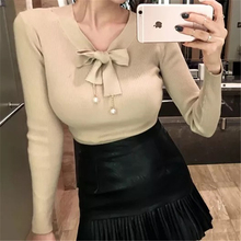 Women wool Pullovers Solid V neck sweater bow+pearl knitted sueter top tunic jumper pull femme 2017 Spring Winter
