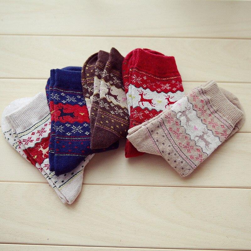 Hot sale Christmas Deer Socks Women Cartoon Design Casual Knit barnd Socks Winter Warm Ankle Socks funny happy gift for girl
