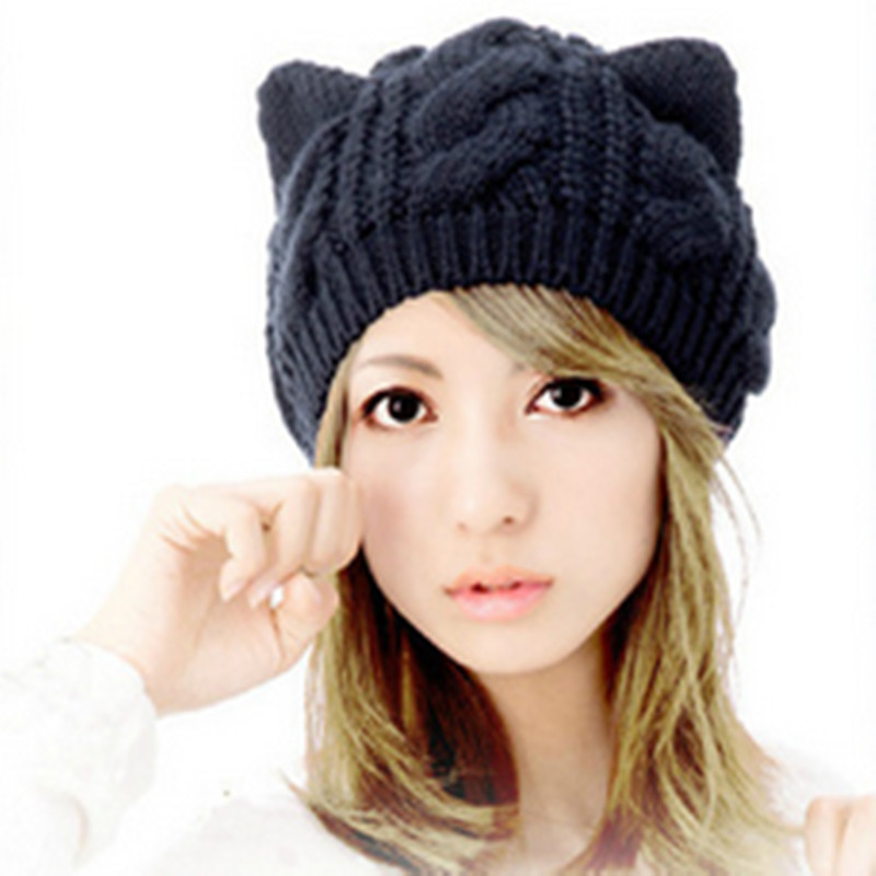 Mode chaud automne hiver tricoté chapeau femmes rayures Skullies Bonnets En Tricot  Crochet Chapeau De Ski Cap 5 Couleurs 1443beae0af