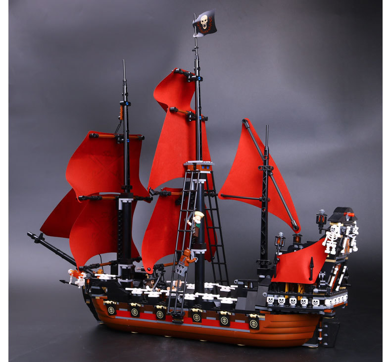 new lepin 16009 1151Pcs Pirates Of The Caribbean Queen Anne's Reveage Model Building Kits Blocks Brick Toys Gift 4195 lepin 16009 caribbean blackbeard queen anne s revenge mini bricks set sale pirates of the building blocks toys for kids gift