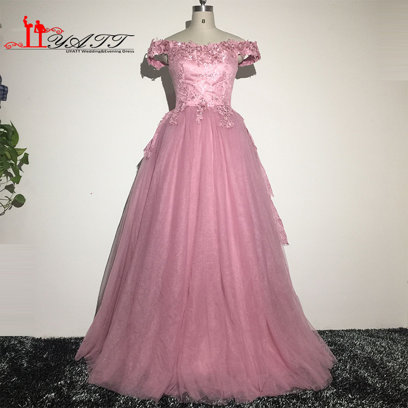 7c9dfcf095a 2016 Real Pic Evening Prom Dress Puffy Ball Gown Lace Appliques Luxury  Aramex Arabic Style Vintage Custom Made Liyatt-in Prom Dresses from  Weddings   Events ...