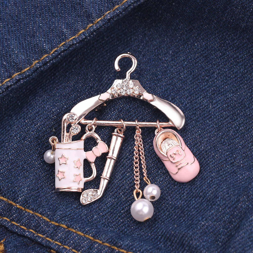 Pink Crystal Enamel Brooch Clothes Hanger Coat Hanger Lapel Pins Metal Fashion Suit Lapel Brooch Cute Romance For Women Jewelry